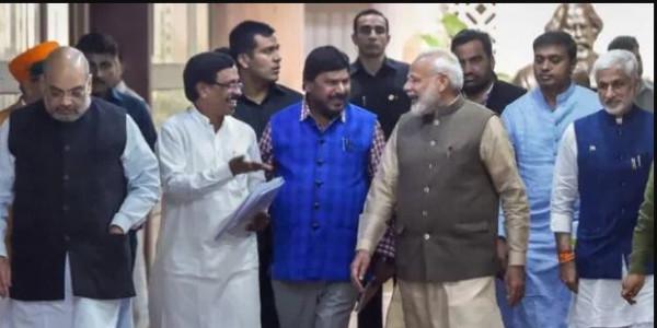 NDA में तालमेल बनाने की उठी मांग, PM मोदी बोले- विवाद सुलझाने को कमेटी बने