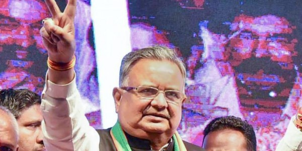 raman-singh-govt-diverted-welfare-funds-to-ujjwala-scheme-in-chhattisgarh-report