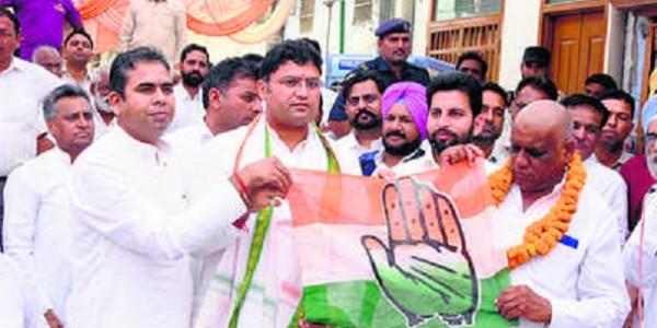 भाजपा से मोह भंग, कांग्रेस को चुनेगी जनता : तंवर