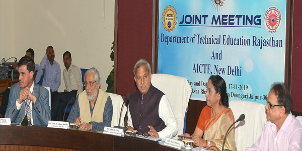 इंजीनियरिंग, आईटीआई तथा पॉलीटैक्निक कॉलेज को एक ही प्लेटफॉर्म पर लाया जाए : सुभाष गर्ग
