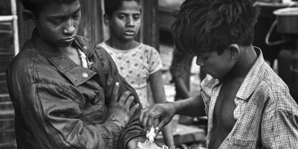महिला बाल विकास मंत्री के ज़िले में 300 बच्चे कर रहेे हैं नशा!