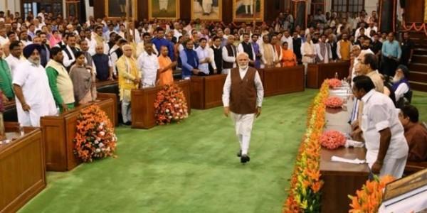 राष्ट्रपति ने मोदी को नियुक्त किया नवनिर्वाचित प्रधानमंत्री, पीएम ने दिया 'सबका साथ-सबका विकास-सबका विश्वास' का नारा