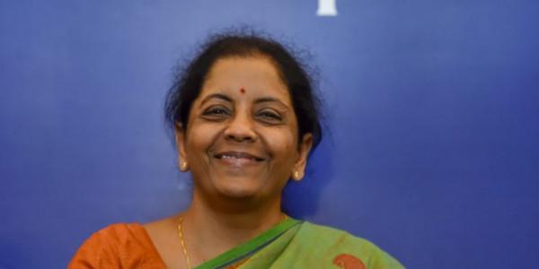 वित्त मंत्री निर्मला सीतारमण के पति ने माना भारतीय अर्थव्यवस्था की हालत खराब है