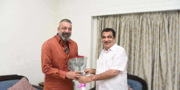 Sanjay Dutt pays courtesy visit to Union Minister Nitin Gadkari