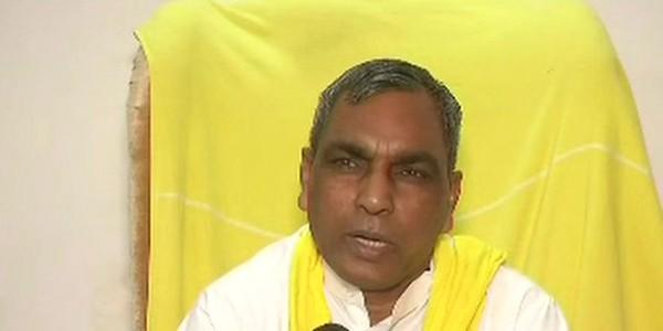 भाजपा के खिलाफ बिगड़े बोल पर फंसे ओमप्रकाश राजभर, पार्टी कार्यकर्ता ने मुकदमा कराया दर्ज