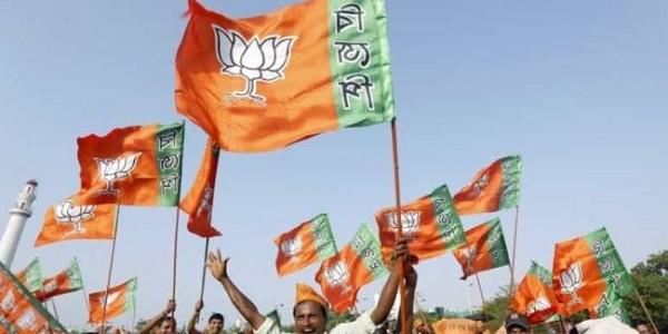 हिमाचल की चारों सीटों पर BJP आगे, अनुराग 2 लाख वोट से आगे !!
