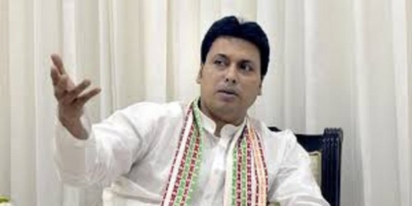 tripura-chief-minister-biplab-deb-passes-balloons-around-as-national-anthem-plays