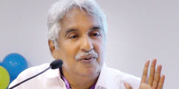 """Oommen Chandy blames State Government's """"Omission"""" for Kerala floods"""