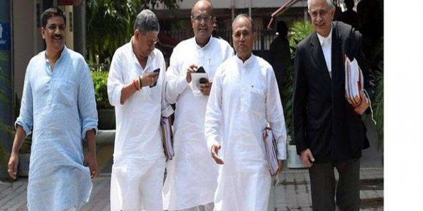 जदयू किसकी? शरद की दावेदारी खारिज कराने चुनाव आयोग पहुंचेगा नीतीश गुट