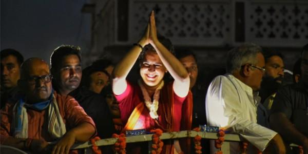 गंगा में मिलने वाले अस्सी नाले को देखने पहुंची प्रियंका गांधी
