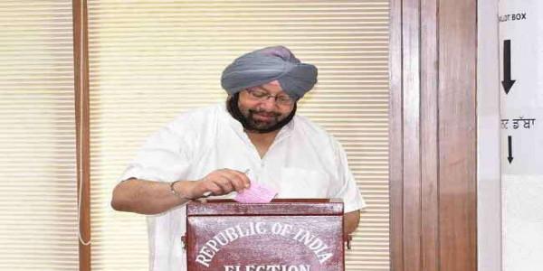 राष्ट्रपति चुनाव के लिए पंजाब में मतदान पूरा, कैप्टन सहित 116 ने डाले वोट