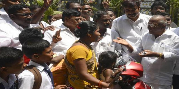 Rival AIADMK factions sweat it out in R.K. Nagar