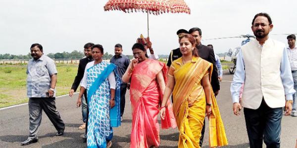 संथाल परगना के चार दिन के दौरे पर दुमका पहुंचीं राज्यपाल द्रौपदी मुर्मू