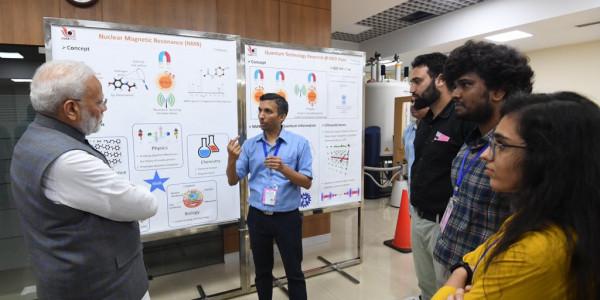 नरेंद्र मोदी ने वैज्ञानिकों को दिए निर्देश