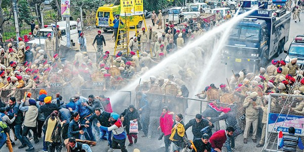several-protesters-injured-in-chandigarh-after-police-used-water-cannons
