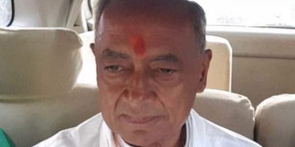 मध्य प्रदेश में दिग्विजय सिंह समेत कांग्रेस के कई बड़े नेताओं को मिला करारी हार, अब खतरे में कांग्रेस की राज्य सरकार