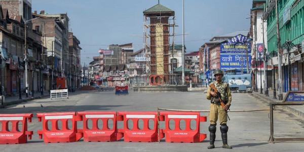 72 दिन के बाद कश्मीर में बीएसएनएल की पोस्टपेड मोबाइल सेवा बहाल हुई