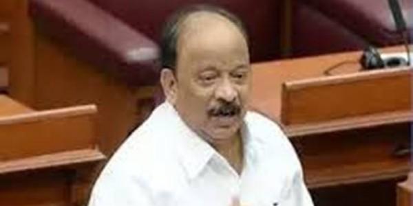 कांग्रेस विधायक रोशन बेग ने दिया इस्तीफा, 12 MLA पार्टी की बैठक में नहीं पहुंचे