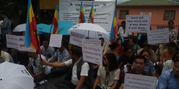 SDF stages sit-in against SKM behavior in Sikkim Assembly