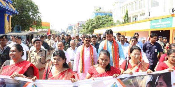 Tripura CM wants social media campaign to curb road mishaps