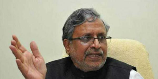 लालू से राजनीतिक निर्देश लेने को मिलते हैं राजद नेता : सुशील मोदी