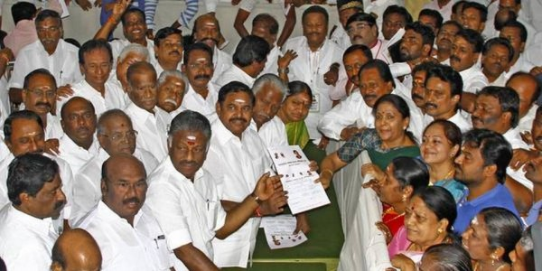aiadmk-in-a-dilemma-over-accommodating-bjp-in-front