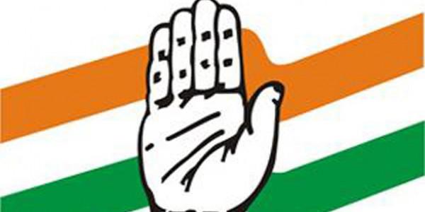 Senior Congress leaders begin lobbying for ticket to loyalists, kin