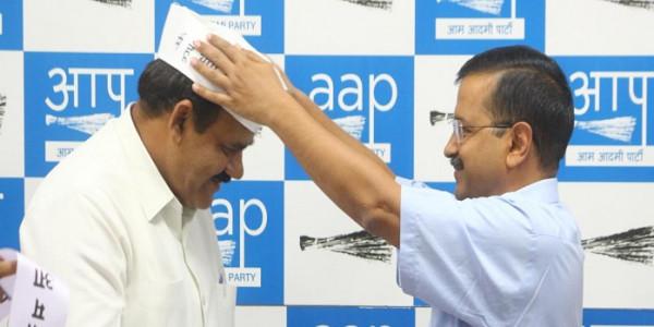 पूर्व विधायक और वरिष्ठ भाजपा नेता चौधरी सुरेंद्र सिंह BJP छोड़ AAP में हुए शामिल
