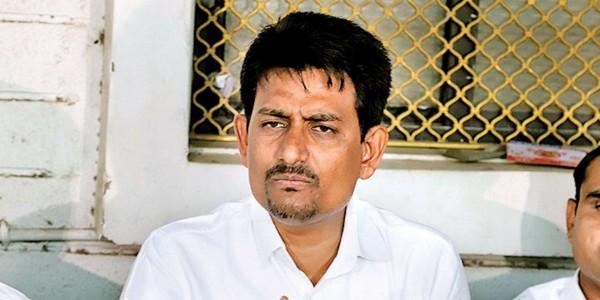 Gujarat: Congress in damage control mode
