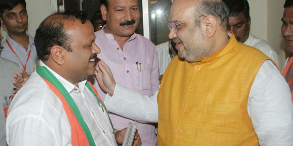 Sitting BJP MLA Narendra Pawar Refuses to Withdraw Nomination