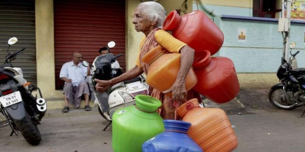 DMK workers hold protests over water scarcity, demad TN Minister's resignation