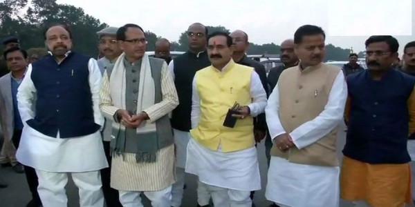cm met-president-ram-nath-kovind-with-bjp-delegation