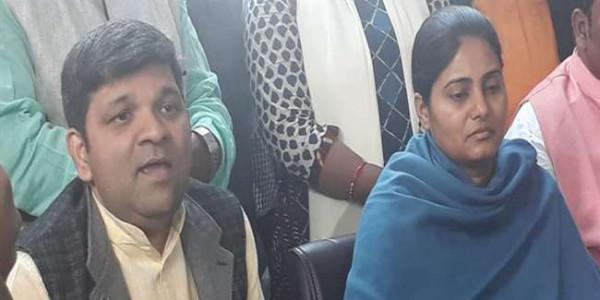 अनुप्रिया व आशीष ने कहा-हम NDA के साथ हैं और रहेंगे भी, UPBJP के नेता बदलें अपना रवैया