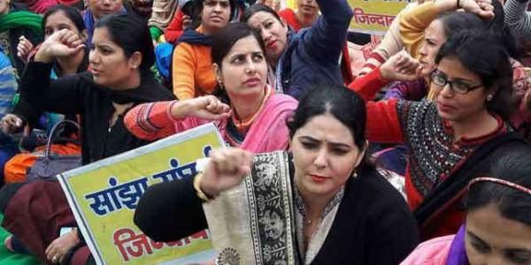 मनोहर सरकार ने उठाया कठोर कदम, 2000 हड़ताली एनएचएम कर्मचारी बर्खास्त