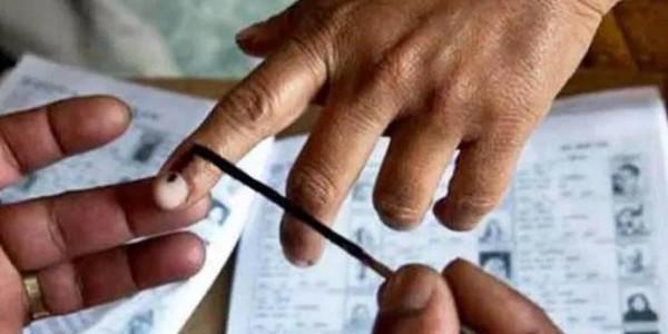 कोसली में 1 ही युवक ने कई बार डाले फर्जी वोट, युवक समेत रिटर्निंग आफिसर पर मामला दर्ज
