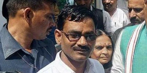 कश्मीरी लड़कियों पर बयान देने वाले भाजपा विधायक मुज़फ्फरनगर दंगों में भी जा चुके हैं जेल