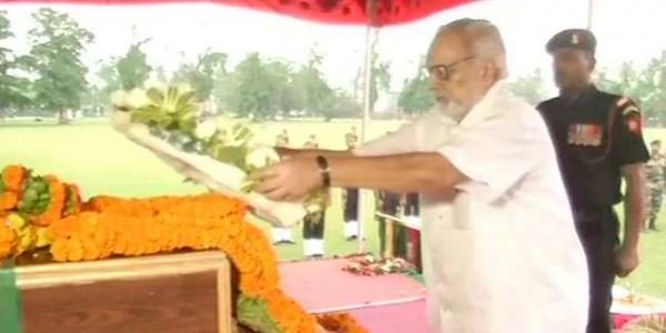 पुलवामा में शहीद नायक अजीत कुमार साहू को शत्-शत् नमन, राज्यपाल ने दी श्रद्धांजलि