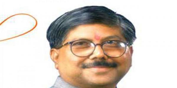 Maharashtra to move on farmers' insurance claims