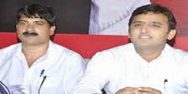 आगराः SP के वरिष्ठ नेता के खिलाफ FIR, फर्जी प्रमाणपत्र लगाकर चुनाव लड़ने का आरोप