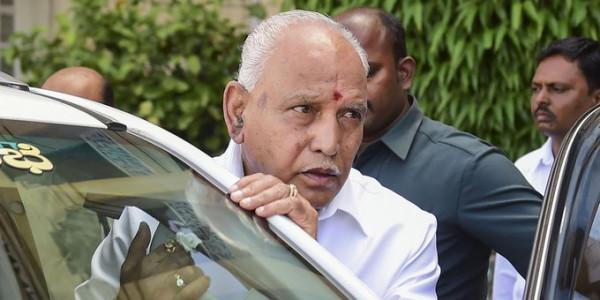 कर्नाटक में फिर एक ट्विस्ट, मलाईदार मंत्रालयों पर बागियों की नज़र !