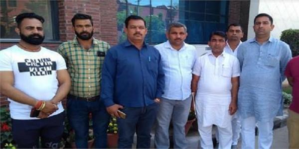 बीजेपी के किसी भी विधायक या मंत्री को गावं में नहीं घुसने देंगे:  विजेंद्र सिंह