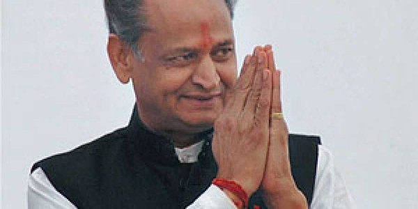 gehlot-to-issue-electricity-connection-to-one-lakh-farmers