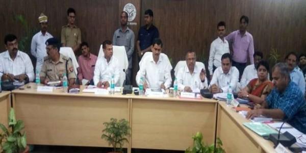 कासगंज में प्रभारी मंत्री ने दिए आदेश, सात दिन में व्यवस्थाएं सुधार लें अफसर
