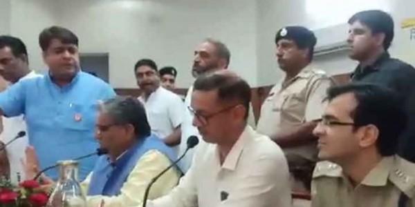 विधायक असीम गोयल से विवाद के बाद अम्बाला के एसपी मोहित हांडा का हुआ ट्रांसफर