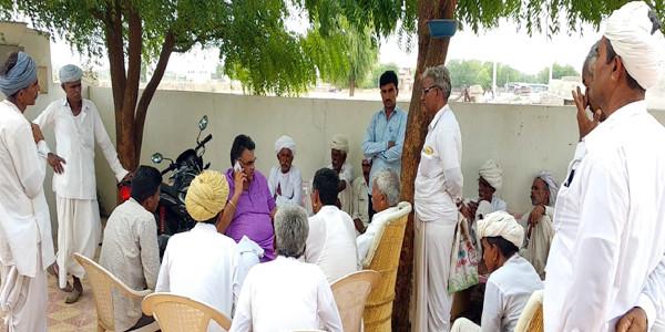 सांसद देवजी पटेल ने सुनी किसानों की समस्याएं, दिए समाधान के निर्देश