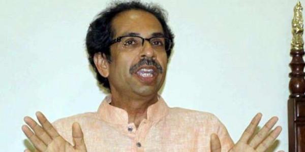 शिवसेना ने BJP को बताया 'पागल हत्यारा', कहा- रास्ते में आने वालों को खंजर मार रही है