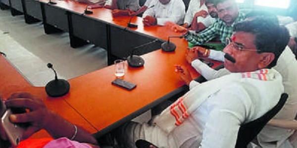 मंत्री संग आढ़तियों की बैठक बेनतीजा