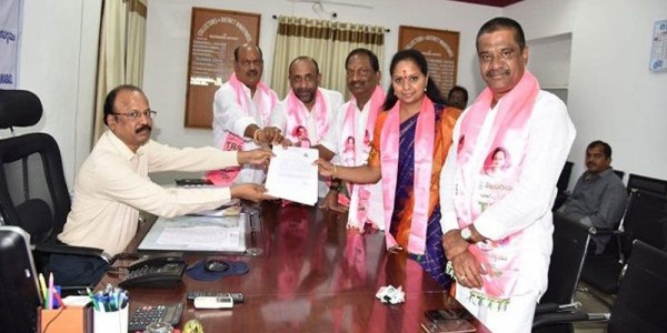 lok-sabha-elections-2019-kavitha-files-nomination-papers-for-nizamabad-seat