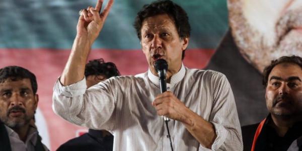 'इमरान खान ने सही कहा था मोदी कश्मीर मामले को हमेशा के लिए सुलझा देंगे'