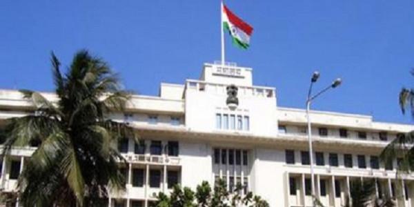 आधी रात तक चली महाराष्ट्र विधानसभा, विपक्ष ने किया हंगामा